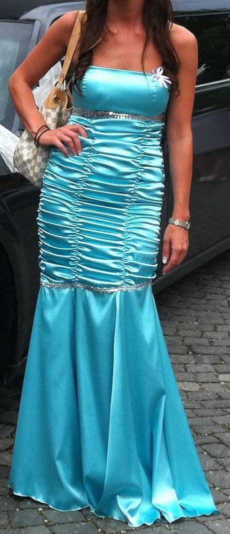 Tyrkysove šaty, 36