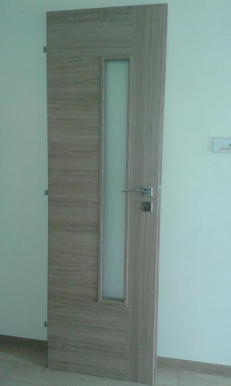 ľavé interiérové dvere,