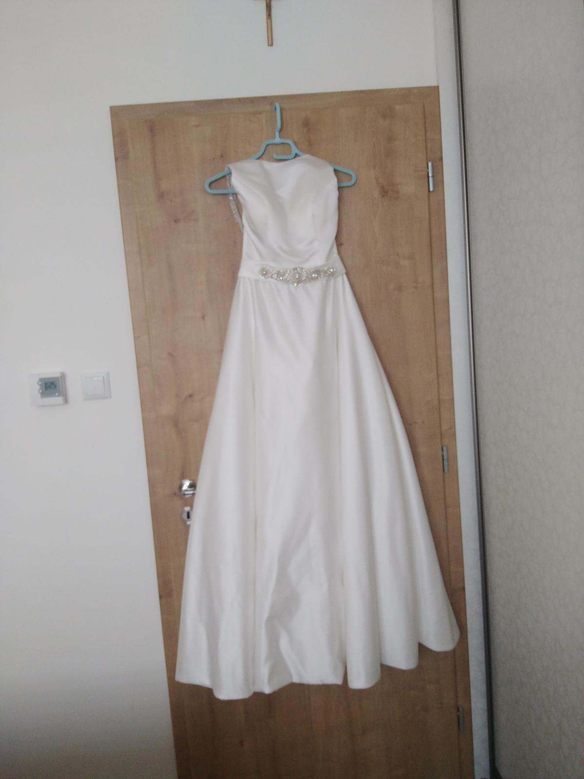 Saténové svadobné šaty  483959d9caf