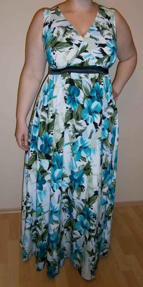 5ab2ea2b6ff6 Moderné kvetinové šaty
