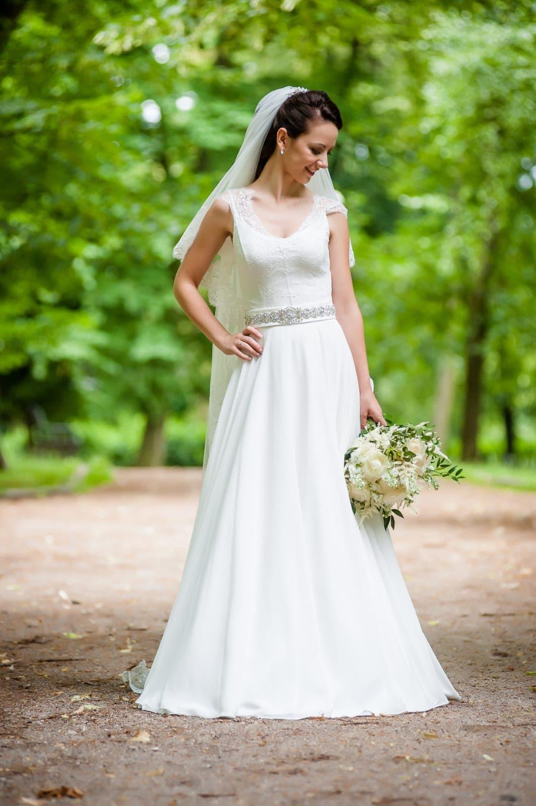 8d7199833 Svadobné šaty s čipkou - padavý strih, 36 - 450 € | Svadobný bazár ...