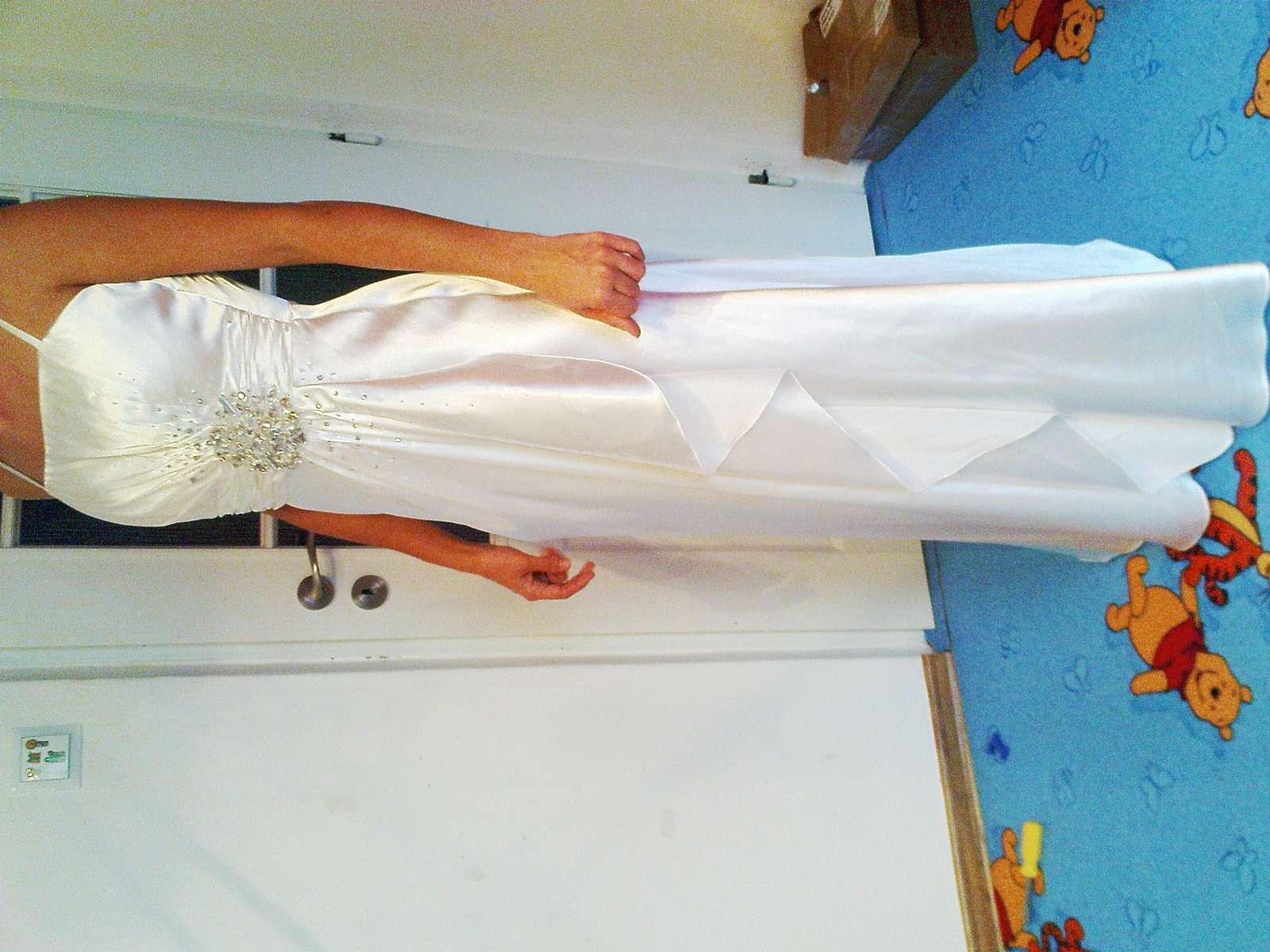 Spoločenské šaty na ples 6568187362c