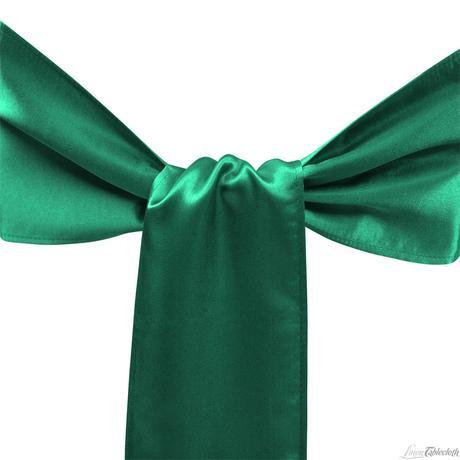 Smaragdovo zelená saténová mašla,