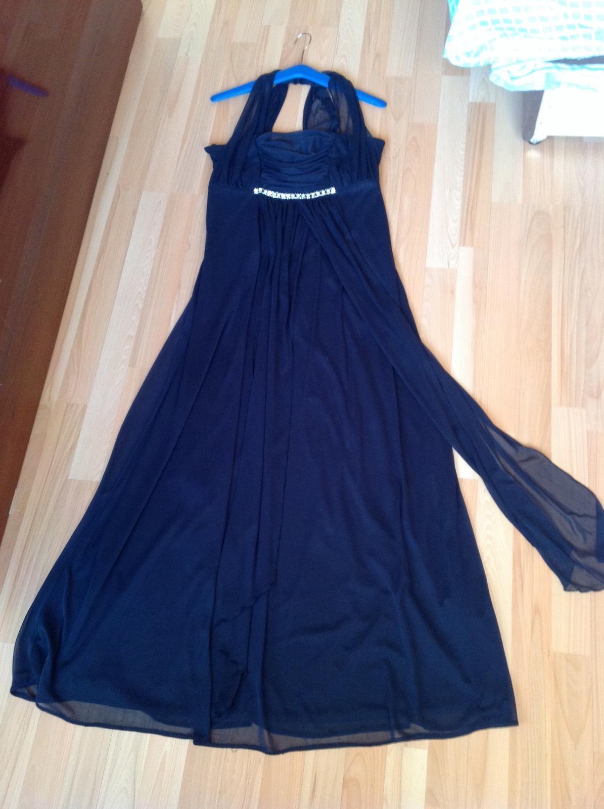 Ľahké spoločenské šaty s poštovným 4f9b466e76f