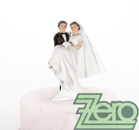 """Figurka na dort """"novomanželé v náručí"""","""
