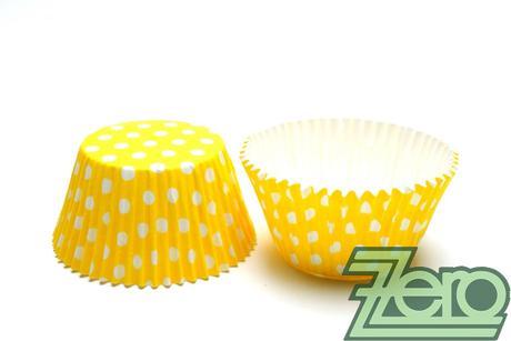 """Košíčky na muffiny """"PUNTÍK"""" 51x38mm (30ks) - žlutá,"""