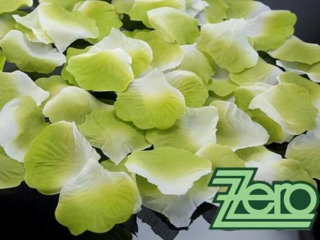 Plátky růží 100 ks - zeleno-bílé,