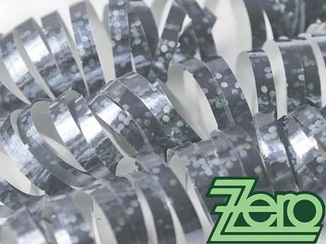 Serpentýny holografické 18 ks x 4 m - stříbrné,