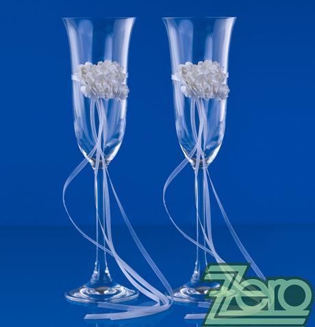 Skleničky pro novomanželé - bílé s bílou růži,
