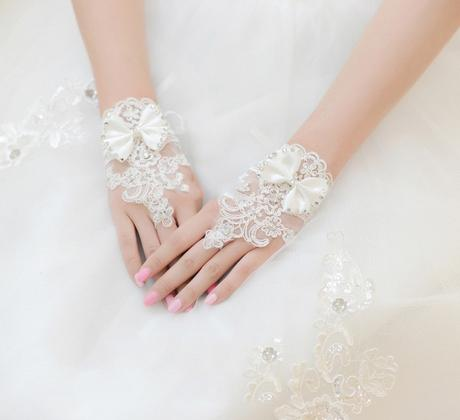 Krajkové svatební rukavice 01,