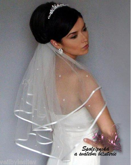 Svatební závoj bílý s perlami 02,