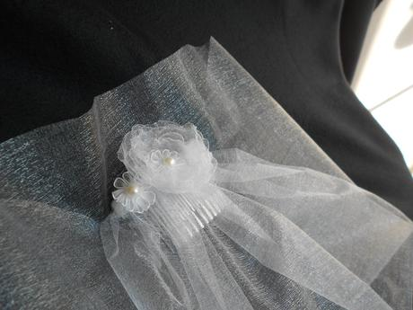 Závoj Sweet Bride s kytičkou 13-SKLADEM,