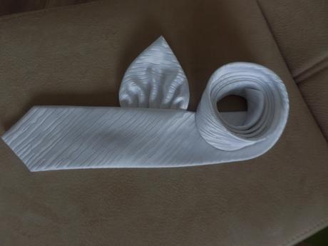 Svadobná kravata a vreckovka,