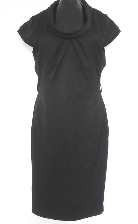 Černé pouzdrové šaty, 38