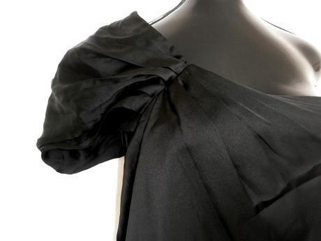 černé šaty na rameno, 44