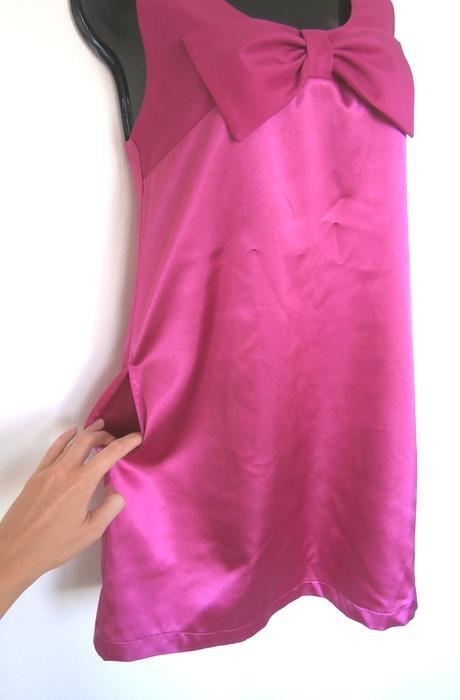 Lesklé šaty, 38