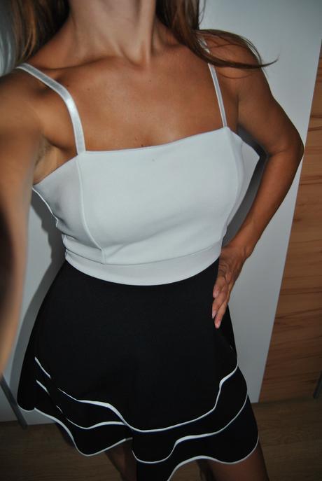 Černo-bílé retro šaty, 38
