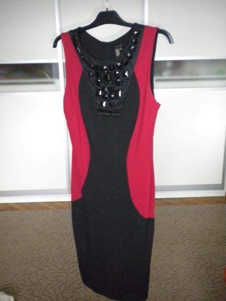 Rafinované šaty, 42