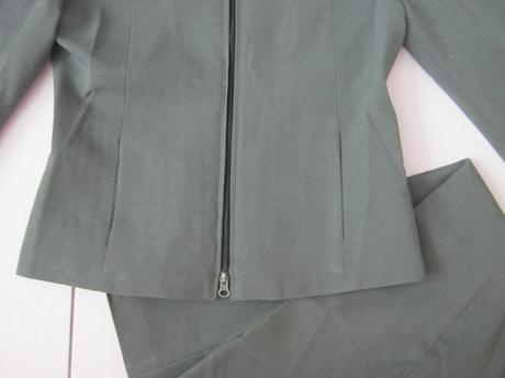 Tmavozelené sako a nohavice veľ. M , 38
