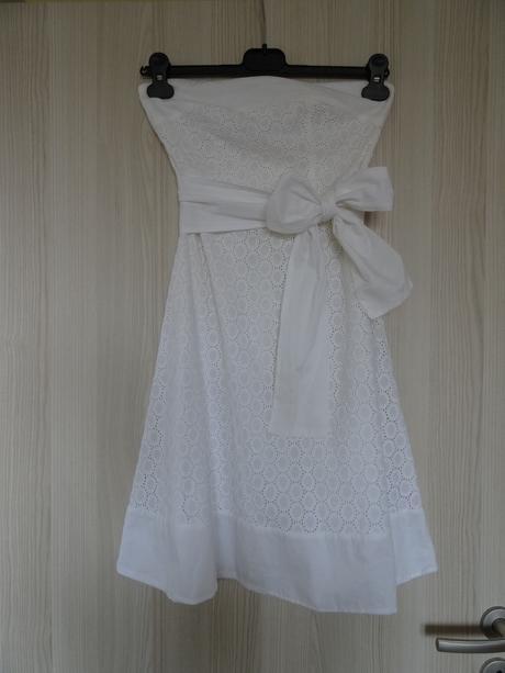 Šaty s uvazovací mašlí, 34