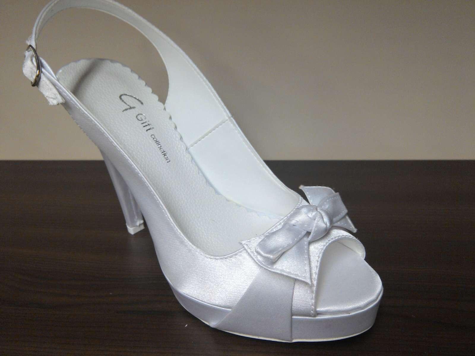 341a6f21a1 Svadobné topánky nové