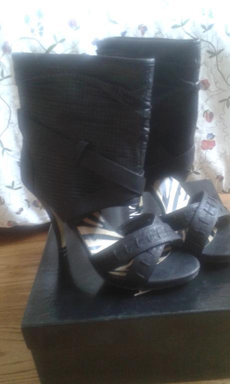 Čierne sandále, 37