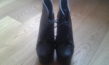 Členkové High Heels, 37