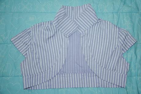 Bledofialové šaty s bolerkom, L