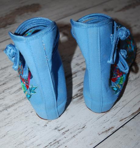 Nenosené plátené topánky, 39