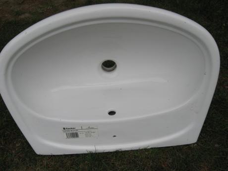 Biele umyvadlo,