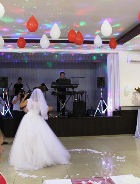 Nádherné svadobné šaty veľ.-40, 38