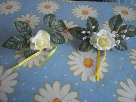ozdobné ruže so stuhou 16 kusov,