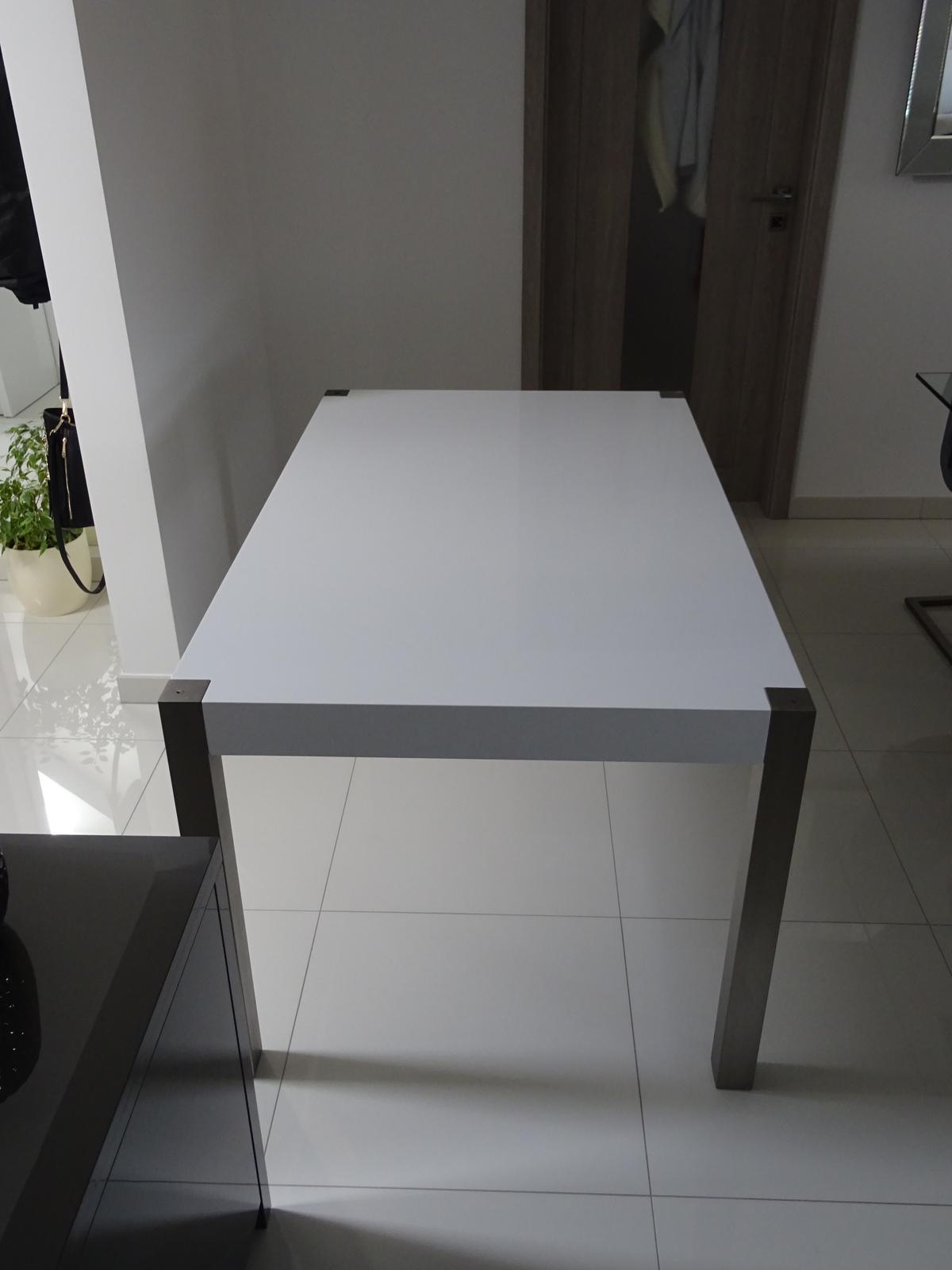 39d0204bf510 Jedalenský stôl biely leskly
