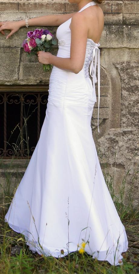 Pohodlné svatební šaty šněrovací, 36
