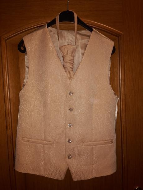 vesta s kravatou pre ženícha, 50