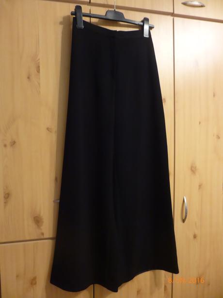Černé široké kalhoty, 36