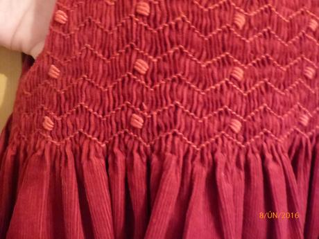Červené manžestrové šatečky, 98