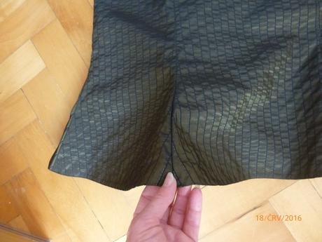 Tmavě zelené šaty na ramínka, 38
