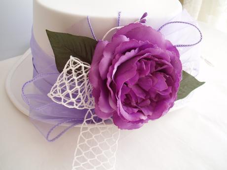 cylindr bílý zdobený-velká růže,
