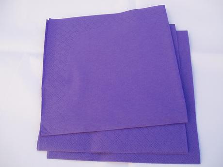 fialový ubrousek,