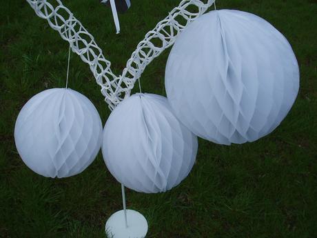 honeycomb-bílý 25 cm,