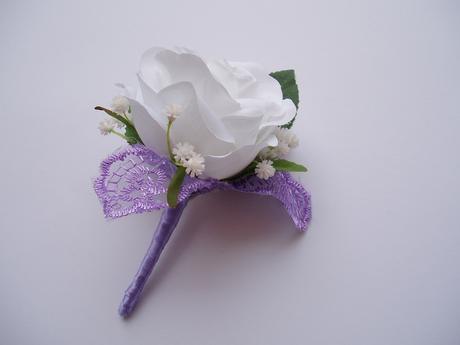 korsáž pro ženicha - bílá růže,