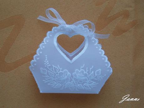 košíček na svatební mandle,