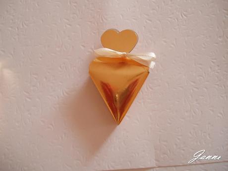 krabička na mandle-zlatá,