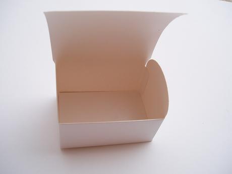 krabička perleť,