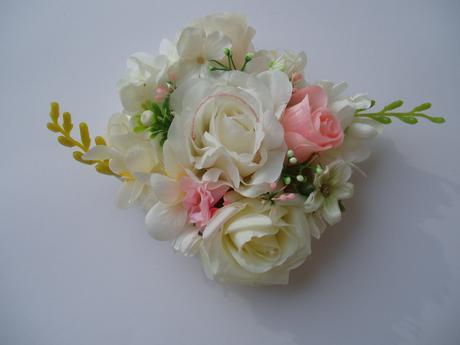 květinová dekorace,