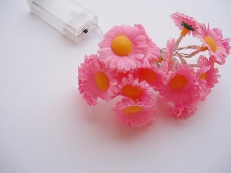 květinová světelná girlanda,