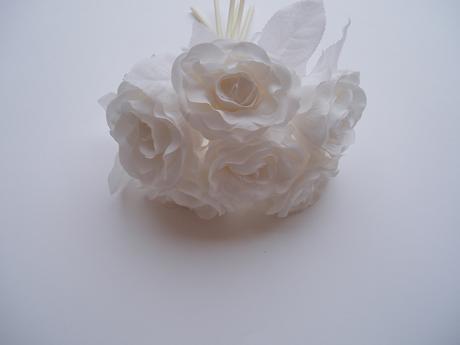 kytice růží-bílá,