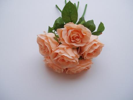 kytice růží-lososová,