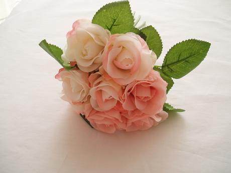 kytice růží-světle růžová,